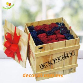 Rosas en caja de madera rustica.