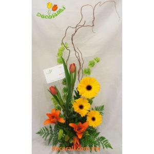 Tulipanes gerberas y lilis