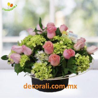 24 rosas y hortensias