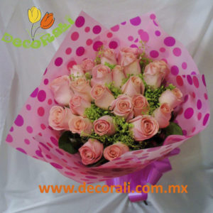 24 rosas en ramo