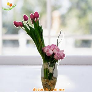 Rosas y tulipanes.