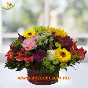 Flores en mini canasta