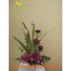 Detalle de tulipan y lili