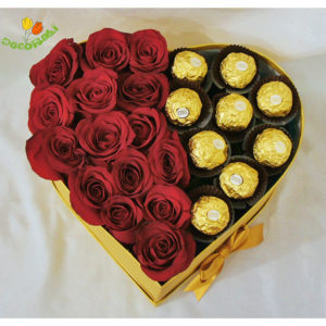 Corazon con rosas y chocolates