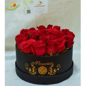 Caja redonda chica con rosas rojas