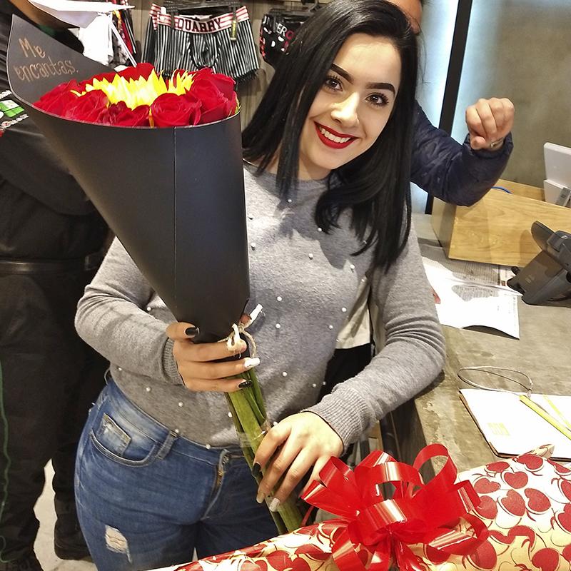 rosas girasol y chocolates