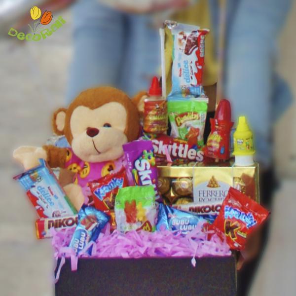 Globo personalizado con globos de numero dulces y peluche