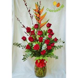 Rosas y heliconia