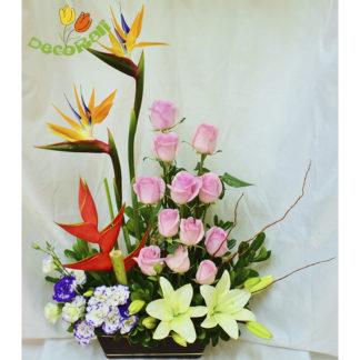 Lilis heliconia y aves de paraiso