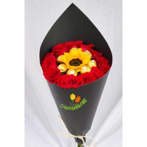 Girasol mini ferrero y rosas en cono