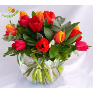 Tulipanes 15 en pecera de vidrio