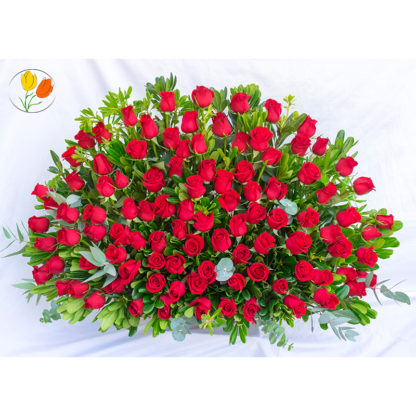 100 rosas rojas en canasta