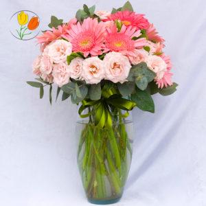 Gerberas y rosa mini